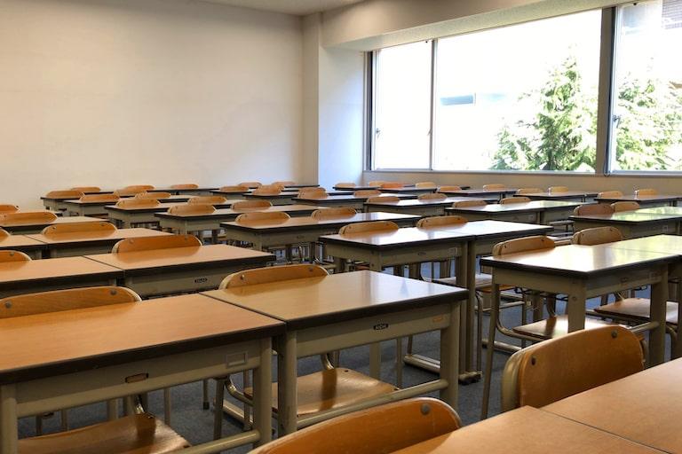 自習室完備の寮